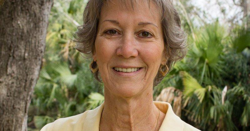 Linda  Brocker